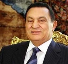 Mubarak's Wife Suffers Heart Attack
